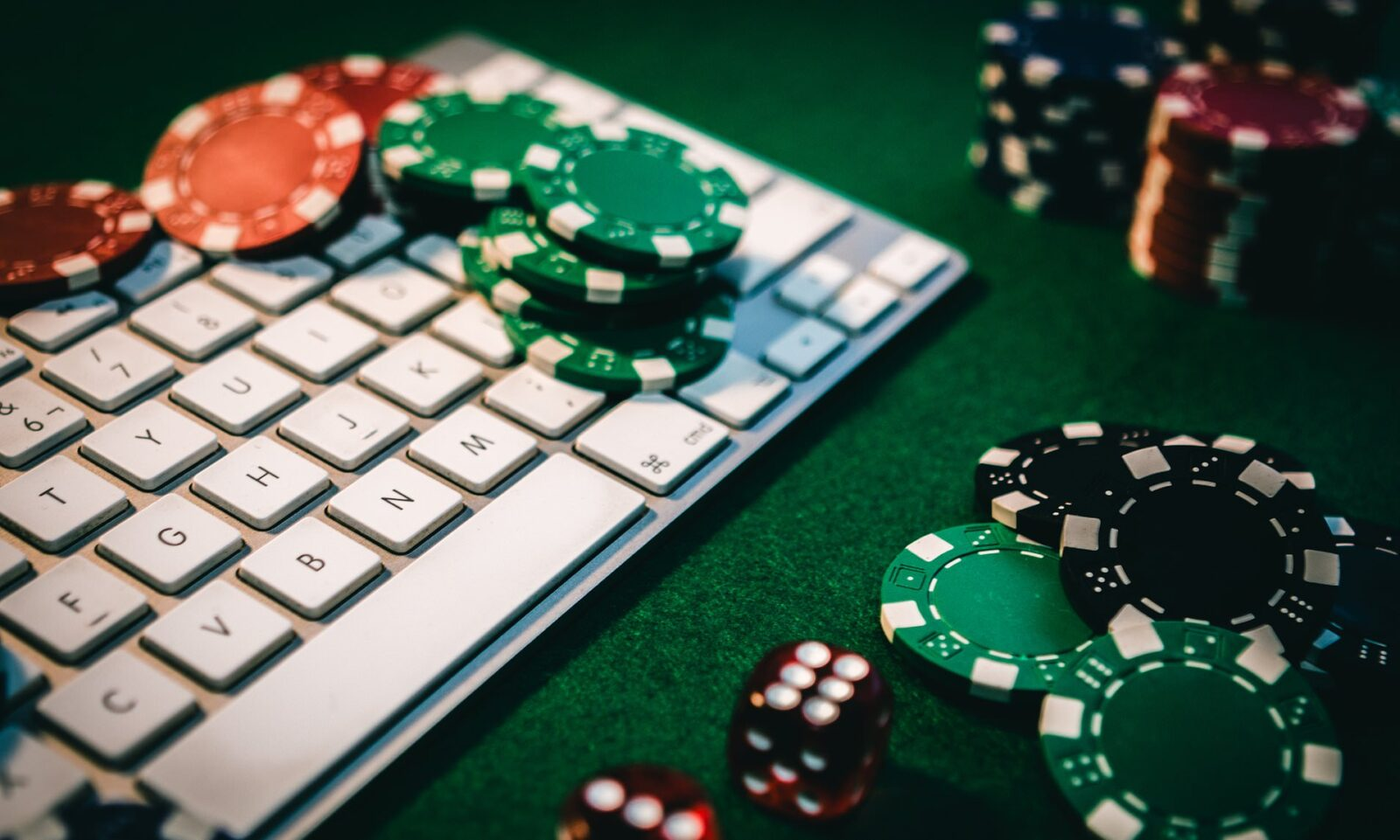 Things to Be Wary Of When Gambling Online